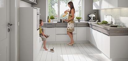 Moderne Bicolor Küche – das gewisse Etwas.