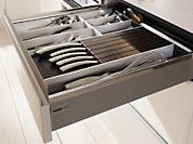 Schubkasten mit integriertem Messerblock