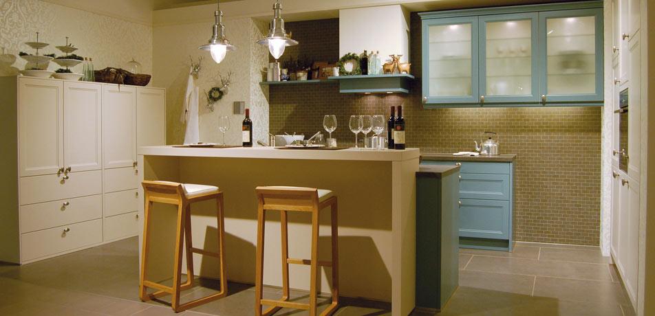 landhausk chen k che landhausstil k chen aktuell. Black Bedroom Furniture Sets. Home Design Ideas